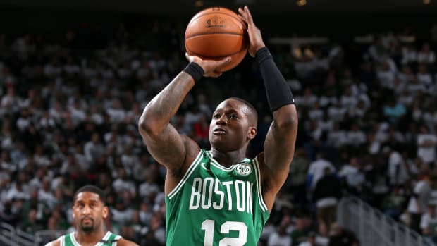 terry-rozier-signs-free-agency.jpg