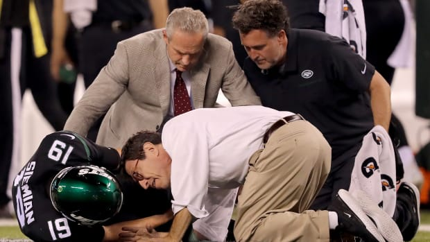 jets-trevor-siemian-out-year-ankle-injury.jpg