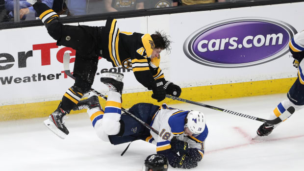 tuesday-hot-clicks-stanley-cup-blues-bruins-torey-krug-shift-video.jpg