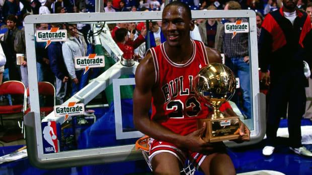10-Hour Michael Jordan Documentary Coming In 2019
