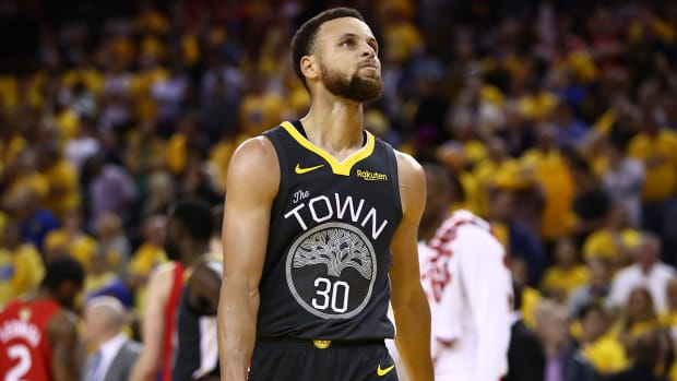stephen-curry-warriors-raptors-look.jpg