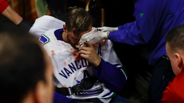 alex-edler-canucks-concussion.jpg