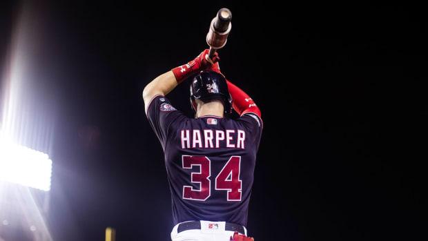 Harper-Verducci-Phillies-2.jpg