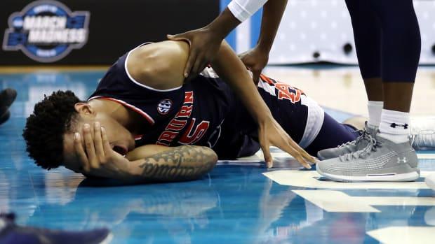 okeke-auburn-injury.jpg