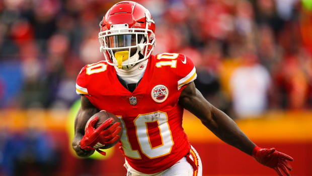 tyreek_hill_chiefs_wide_receiver.jpg