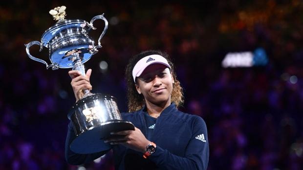 naomi-osaka-queen-tennis.jpg