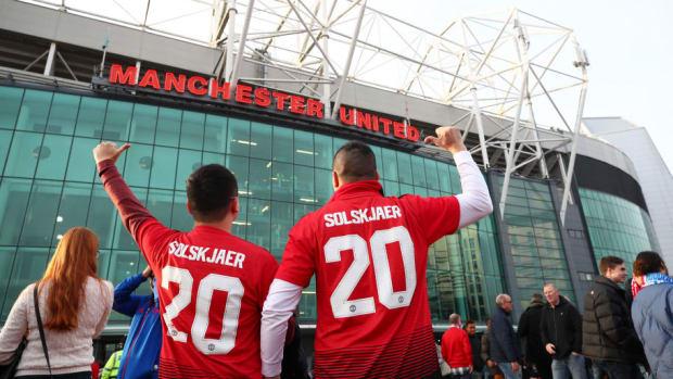 manchester-united-v-huddersfield-town-premier-league-5c3638bce495e2a9e5000015.jpg