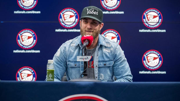 Bryce Harper Gets Booed in His Return to Washington, D.C. - IMAGE