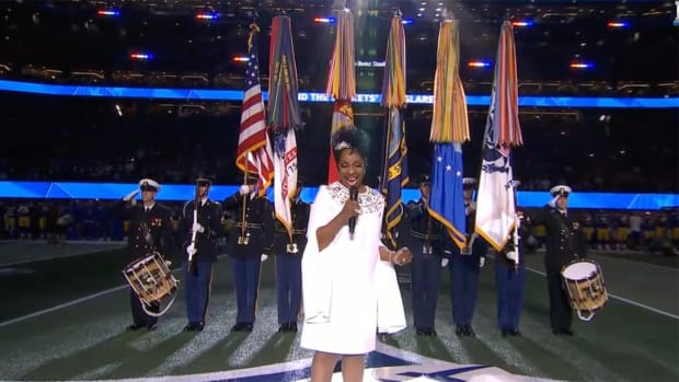 gladys-knight-super-bowl-halftime-video.png
