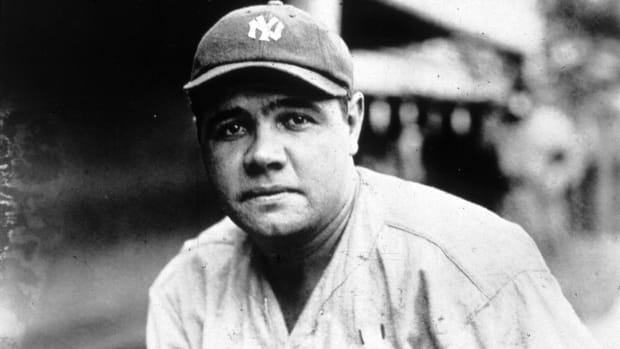 babe-ruth-yankees-jersey-record-auction.jpg