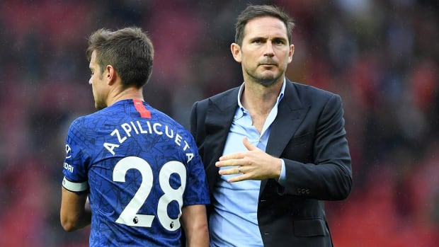 Does Chelsea's 4-0 Loss to Manchester United Foreshadow a Long Season Ahead?