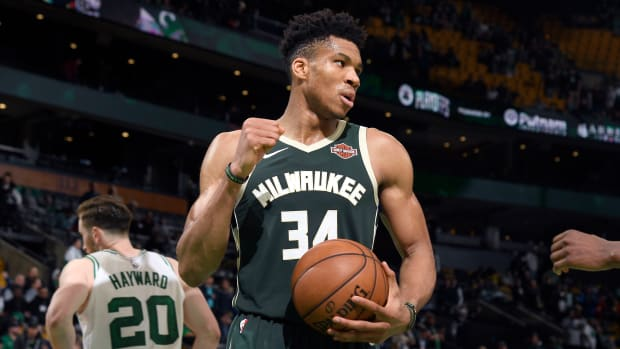 giannis-antetokounmpo-bucks-celtics-game3.jpg