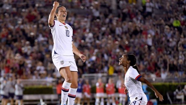 carli_lloyd_celebrates_her_goal_against_ireland.jpg