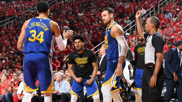 bench_players_step_up_as_warriors_beat_rockets.jpg