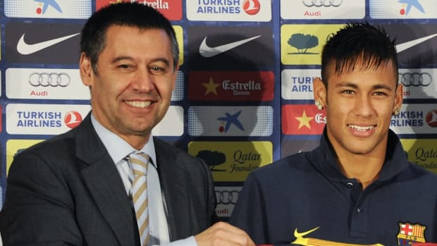 neymar-is-unveiled-at-camp-nou-as-new-barcelona-signing-5d73788b51ff546ad2000001.jpg