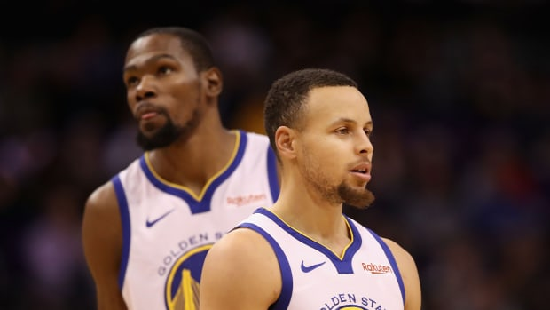 stephen-curry-plane-kevin-durant-nets.jpg