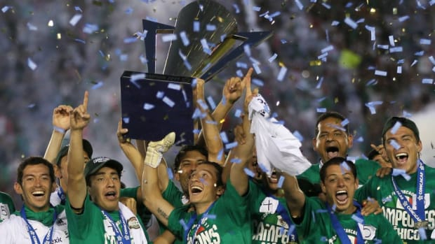 concacaf-championship-united-states-v-mexico-5cf77c13dc10a2046d000001.jpg