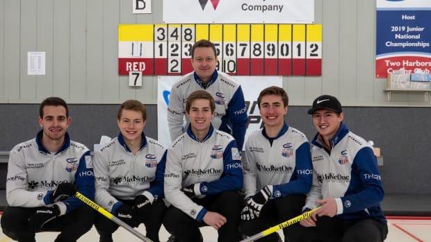 team-stopera-curling-photo.jpg