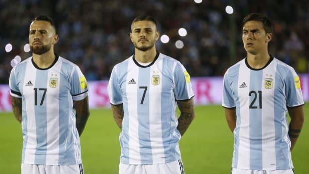 uruguay-v-argentina-fifa-2018-world-cup-qualifiers-5c3a0c600ca92494dc000039.jpg