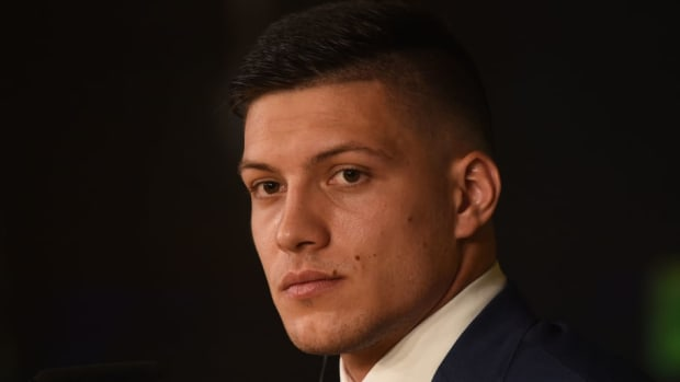 real-madrid-unveil-new-signing-luka-jovic-5d5e6666d177307bb400000e.jpg