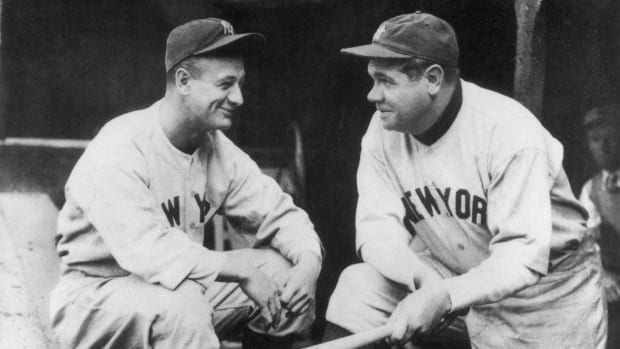 wednesday-hot-clicks-yankees-babe-ruth-lou-gehrig-batting-practice-video.jpg