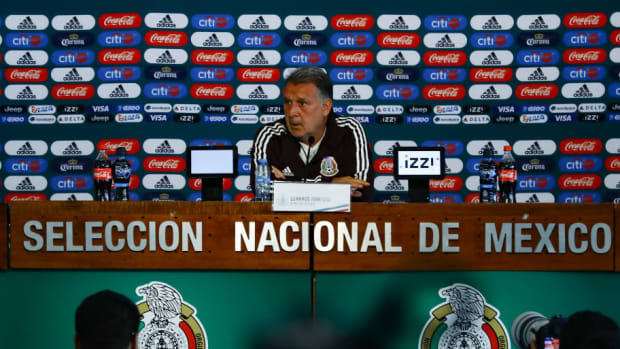 mexico-national-team-training-session-press-conference-5d66377cac98447257000001.jpg