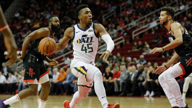 donovan-mitchell-jazz-rockets.jpg