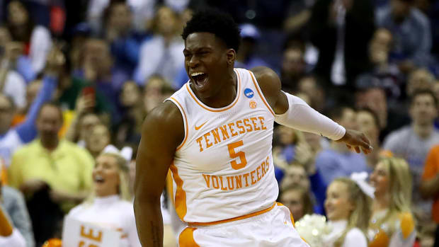 tennessee-iowa-march-madness-overtime.jpg