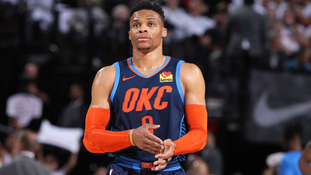 russell-westbrook-thunder-exit.jpg