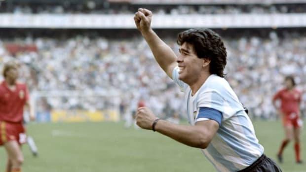 world-cup-1986-arg-belg-maradona-5cc870c47c853eb51d000001.jpg