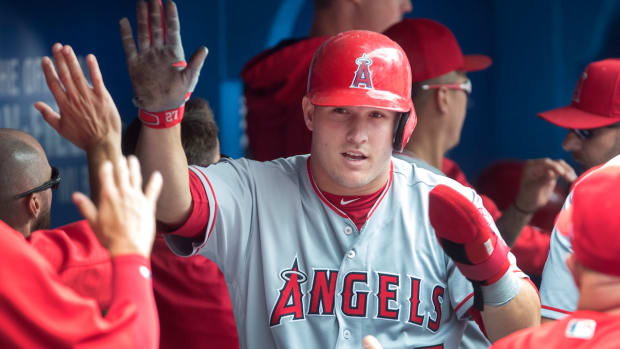mike-trout-largest-contract.jpg