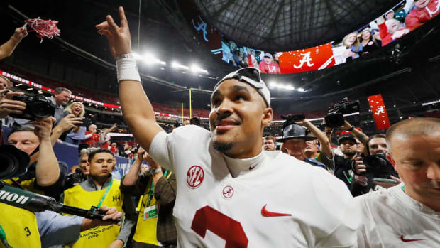Former Alabama QB Jalen Hurts  Could Make Heisman Trophy History at Oklahoma-IMAGE