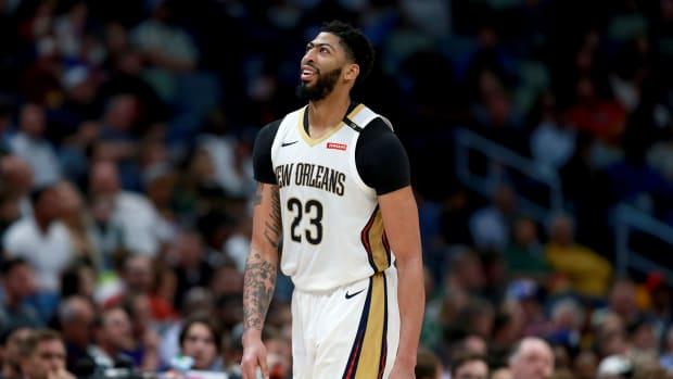 anthony_davis_pelicans_trade_rumors_.jpg