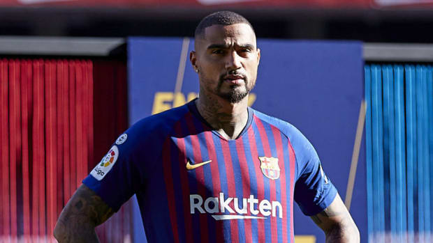 new-barcelona-signing-kevin-prince-boateng-unveiled-5c4867398e89b6792c000004.jpg