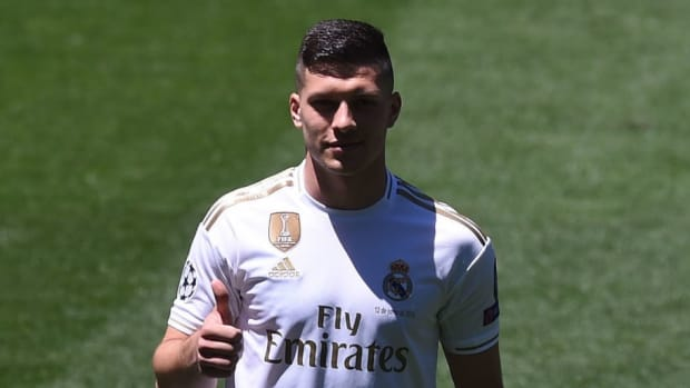 real-madrid-unveil-new-signing-luka-jovic-5d00f733f700e66594000003.jpg
