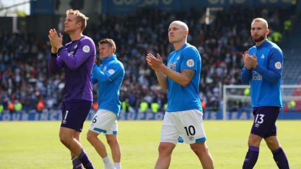 huddersfield-town-v-manchester-united-premier-league-5cdbf311619d417690000001.jpg