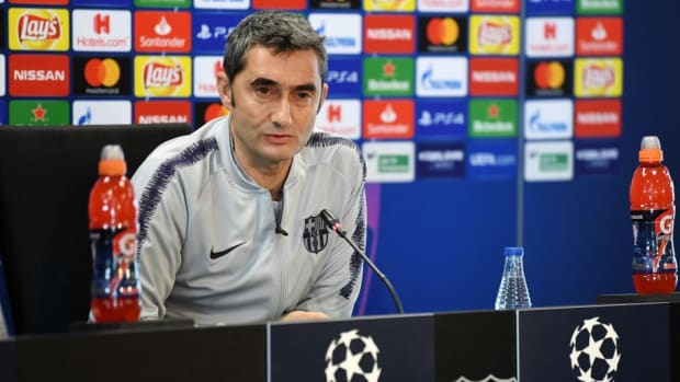 fc-barcelona-training-and-press-conference-5cb497624837119384000004.jpg