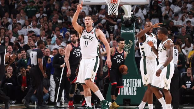 Bucks, Behind Monster Fourth Quarter, Defeat Raptors in Game 1--IMAGE