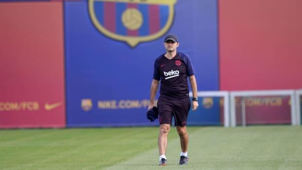 fbl-eur-c1-barcelona-training-5d7fcbe36b556e0a3e000001.jpg