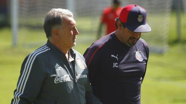 mexico-s-national-team-head-coach-gerardo-martino-visits-chivas-fc-5c4c2fa42e4e3c69cf000004.jpg