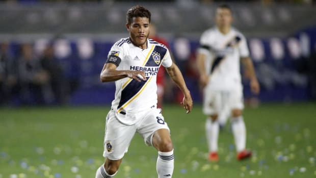 chicago-fire-v-los-angeles-galaxy-5cc201bfaeb530c661000001.jpg