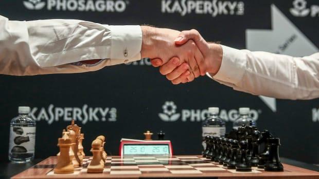 chess-player-caught-cheating.jpg