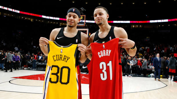 steph-seth-curry-three-point-shooting-contest-all-star.jpg