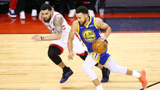 stephen-curry-fred-vanvleet-warriors-raptors-finals.jpg