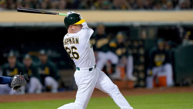 matt-chapman-home-run.jpg