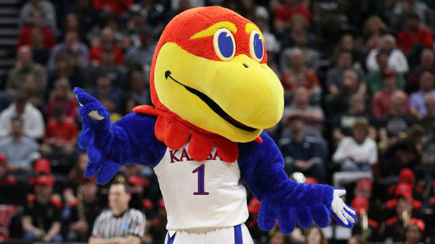 kansas-baskeball-fbi-ncaa-allegations.jpg