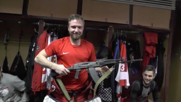 russian-hockey-ak-47-izhstal-izhevsk-saveli-kononov.png