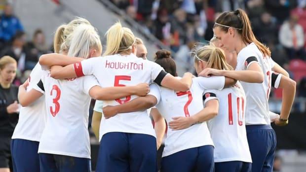 england-v-sweden-international-friendly-women-5c6bea0d4f228c314d000001.jpg