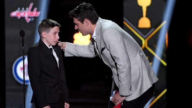 thursday-hot-clicks-nhl-awards-carey-price-anderson-whitehead-video.jpg