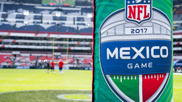 mexico-city-game-concerns-field-conditions.jpg